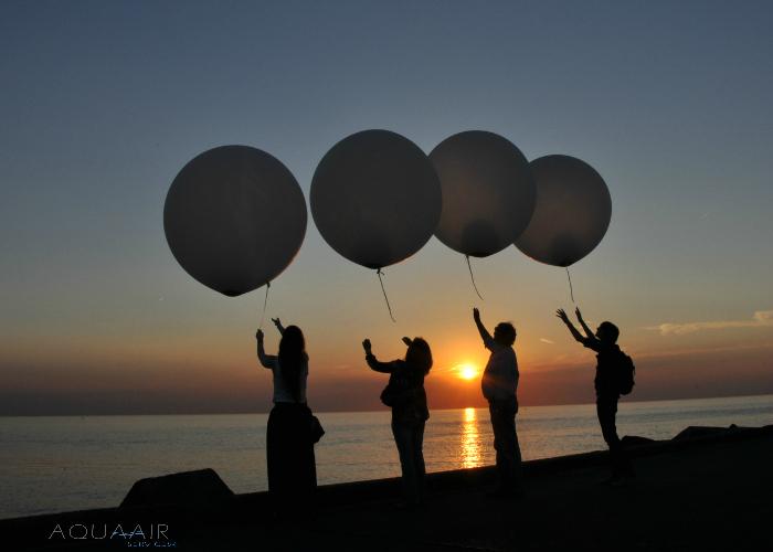 ballonverstrooiing-asverstrooiing-met-heliumballon-locatie-scheveningen-zonsondergang