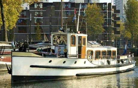 Rotterdam 1 boot voor asverstrooiing of asbijzetting in de havens van rotterdam