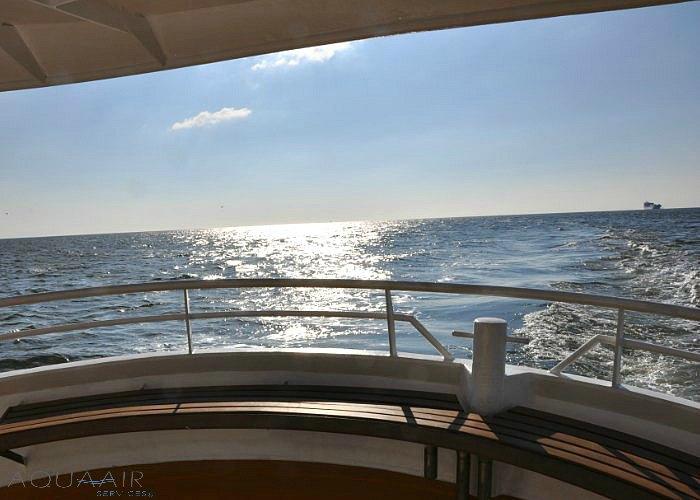 asbijzetting-asverstrooiing-ijmuiden-aqua-air-services-noordzee-zee-urn